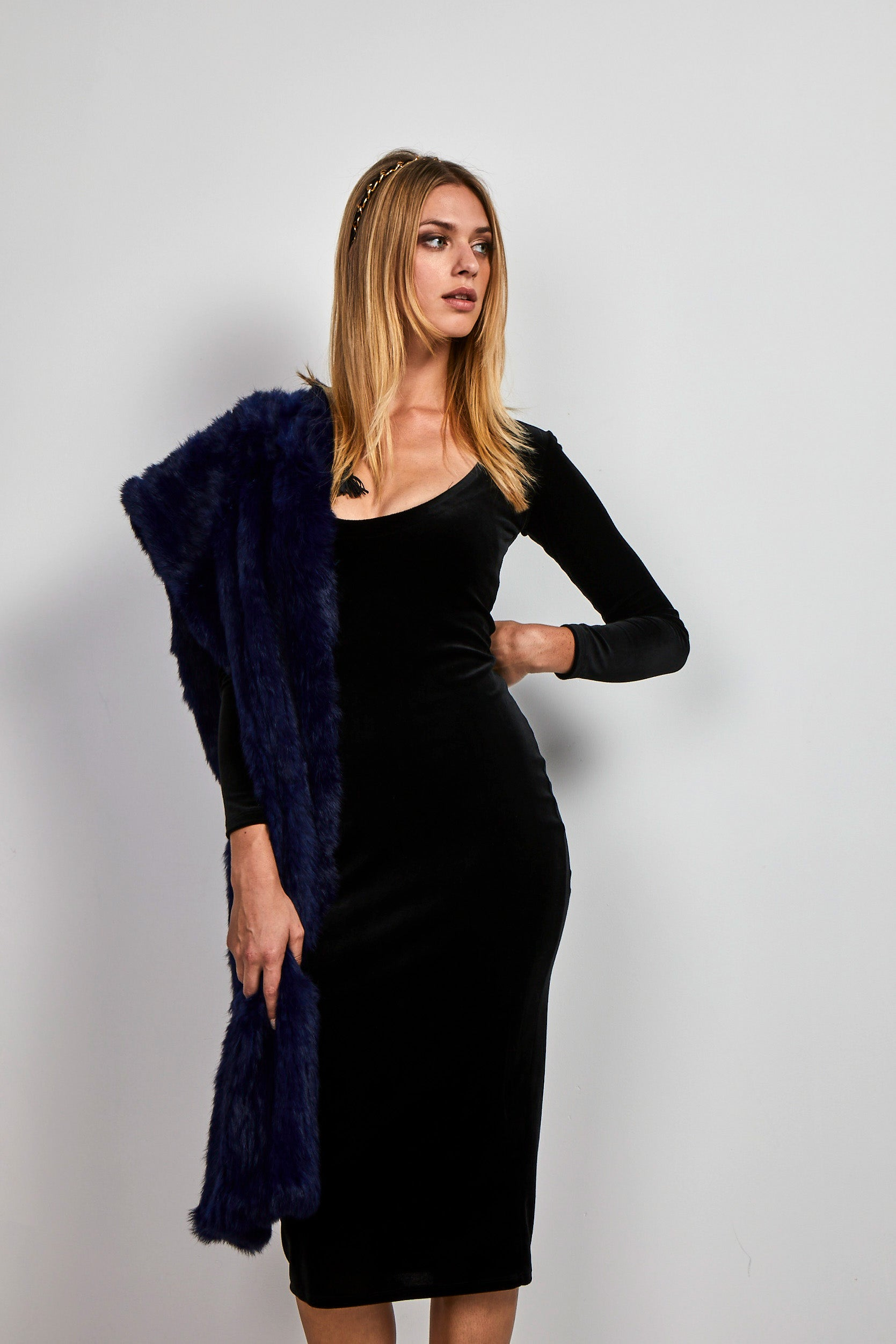 midi Fitted Black velvet Dress
