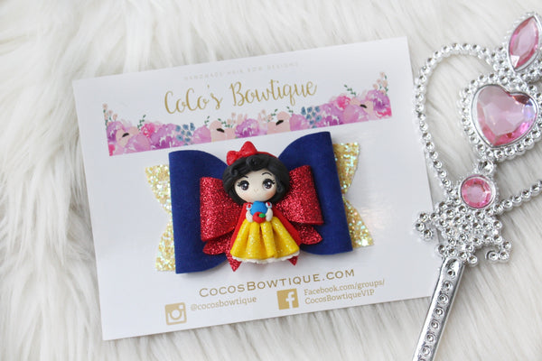 Princess Snow White- Disney Princess-Inspired Clay Center Bow- one size
