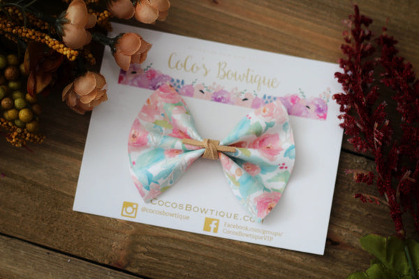Shabby Chic - Floral Printed Faux Leather Bow with Suede Knot Center