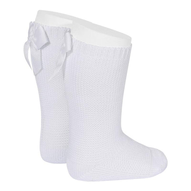 Condor White Moss Stitch Knee High Bow Socks | Millie and John