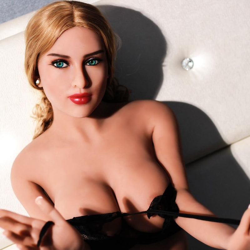Casey - The Perfect Girlfriend - American Sex Doll - United States