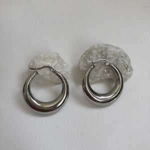 Sequoia silver hoop earrings
