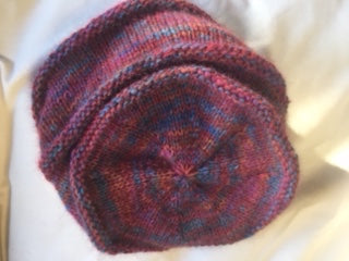 Slouch hat detail Touch Yarn