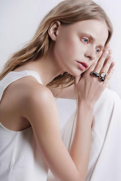 shkoh_silver_jewelry_geo_black_moonstone_ring_03.jpg