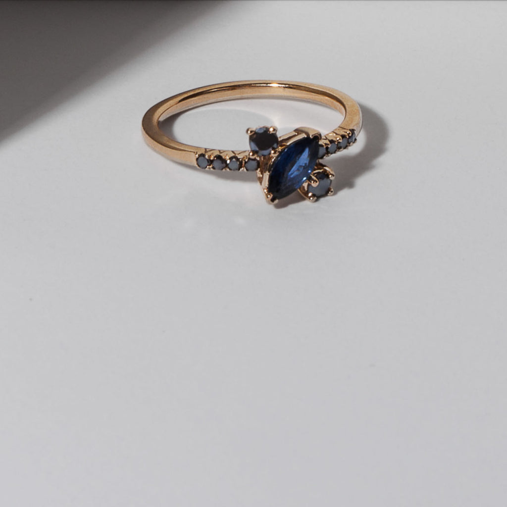 Yours only - Off Marquise Blue Sapphires Ring