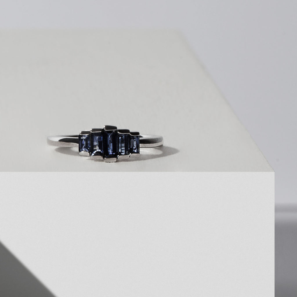 Yours only - Cluster Baguette Blue Sapphires Ring