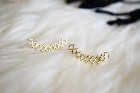 Honeycomb Ear Crawlers shown in Gold