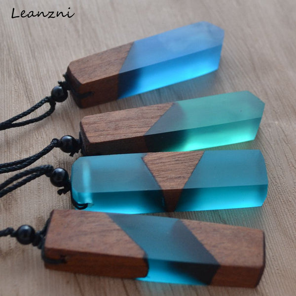 Handmade Leanzni Vintage Wood/Resin Necklace