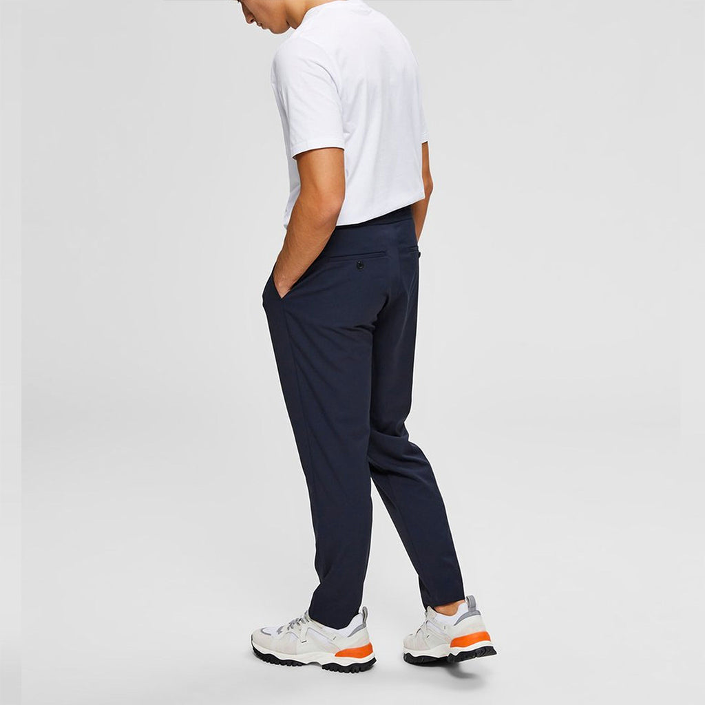 SLIM TAPERED PANT