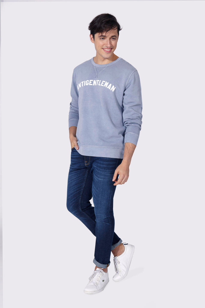 ANTIGENTLEMAN SWEATSHIRT WASHED BLUE