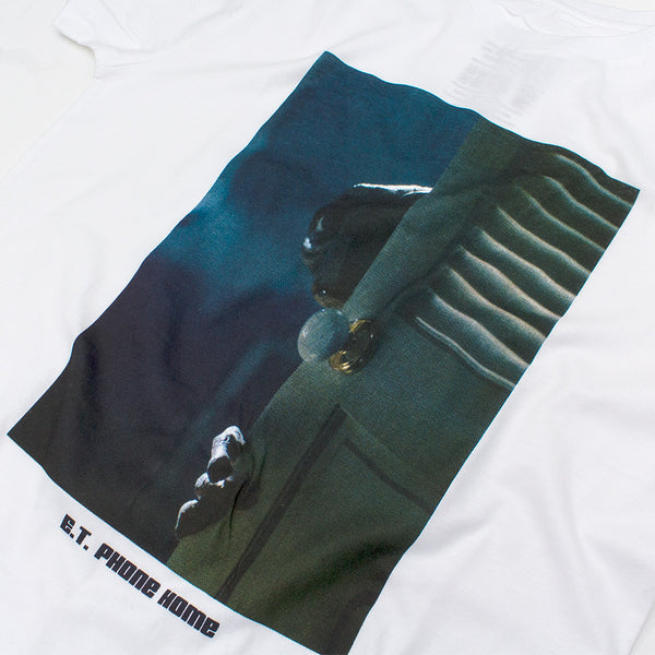 THE CLOSET T-SHIRT