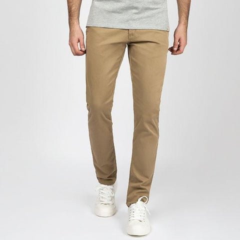products/khaki-modelo.jpg