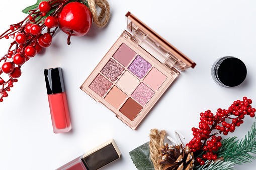 Your Christmas Lookbook for Fashion & Makeup