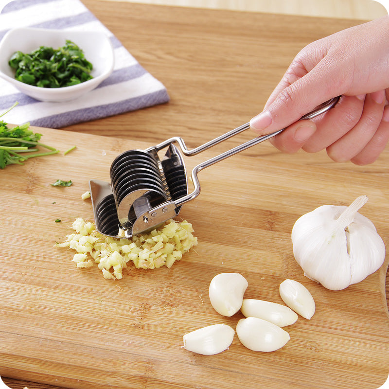 Multifunctional Stainless Steel Lattice Dough Rolling Knife Cutter