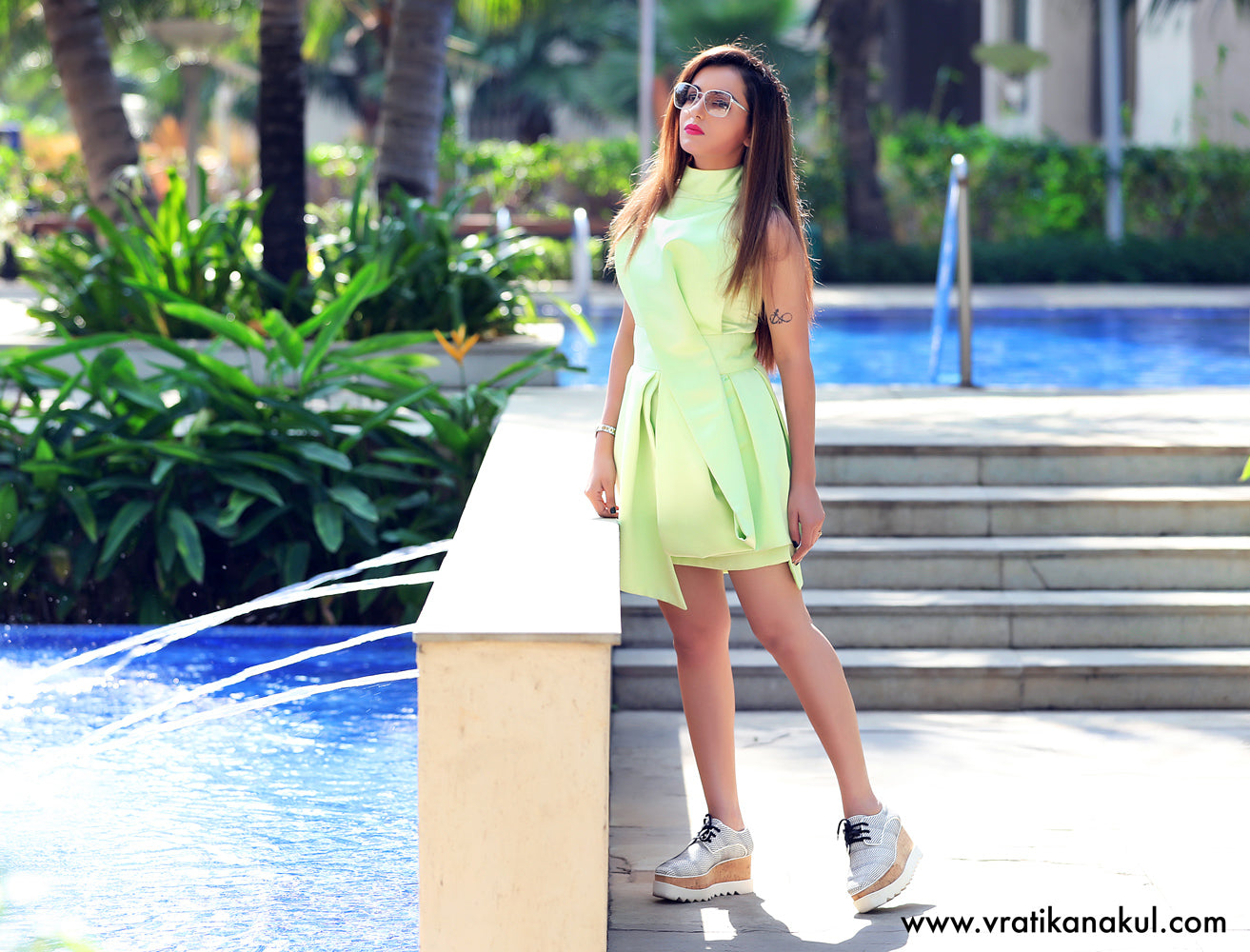 Structured Green Bow Dress - Western - vratikanakul.com