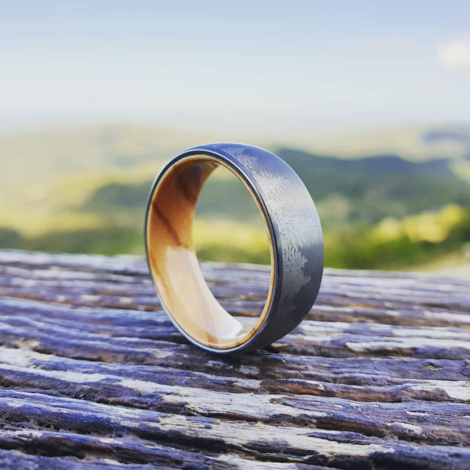 Laser Forest Design Tungsten with Olive Wood Sleeve Ring (8mm)