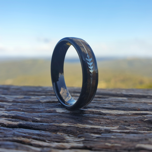Arrow, Black Tungsten & Wood Ring (6mm).