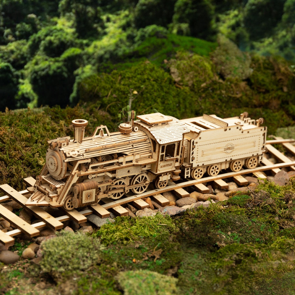 Prime Steam Express DIY Moveable Wooden Model (308 pieces).