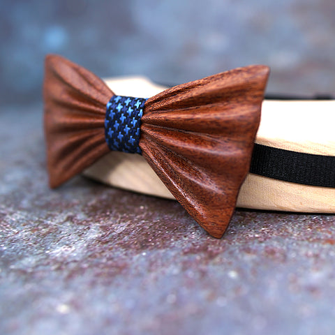 Manhattan Wood Bow Tie
