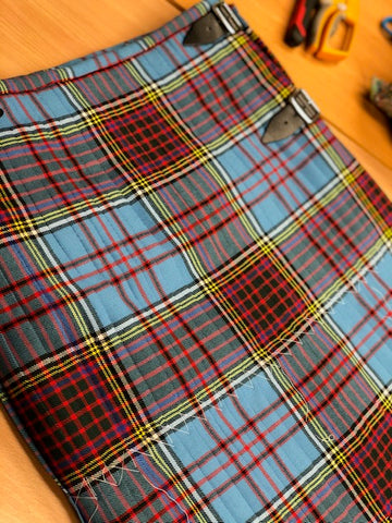 Back of Anderson Kilt - showing pleats following the sett