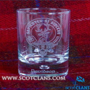 Clan Crest Whisky Glass with Davidson Crest