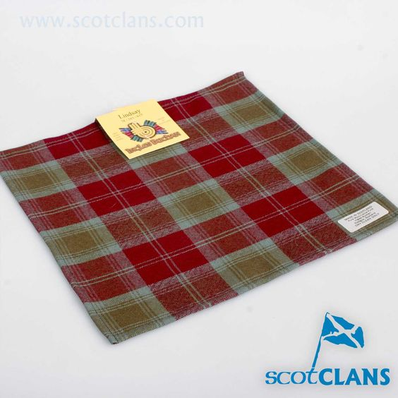 Wool Tartan Pocket Square in Lindsay Weathered Tartan