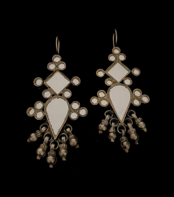 Sheesha Earring White Teardrop