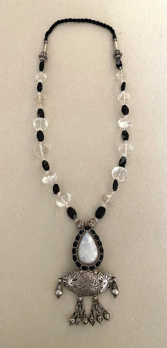 Stonned Crystal Moonstone Neckpiece