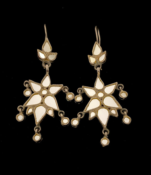 Sheesha Earring White Star
