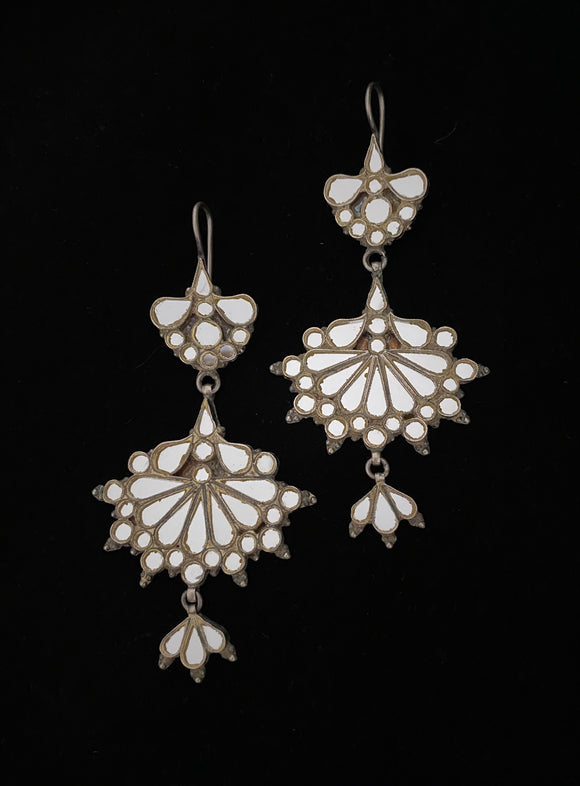 Sheesha Earring White Fan