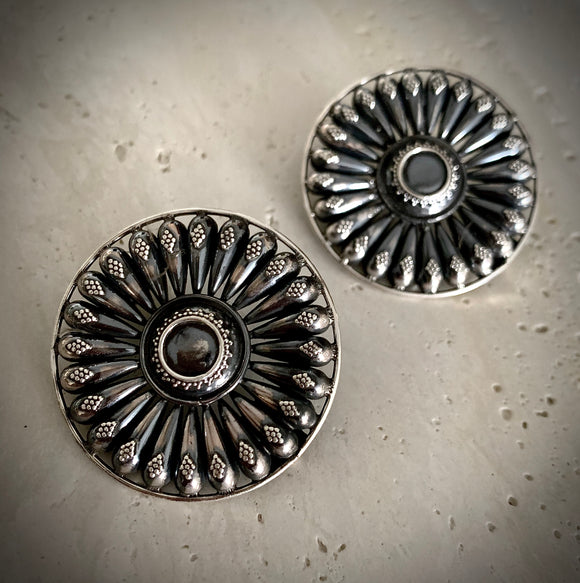 Tribal spike studs