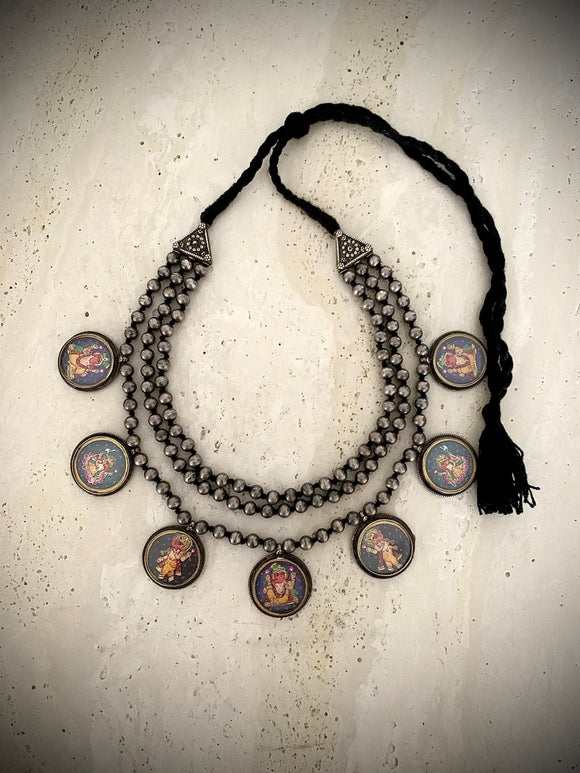IDOL round necklace