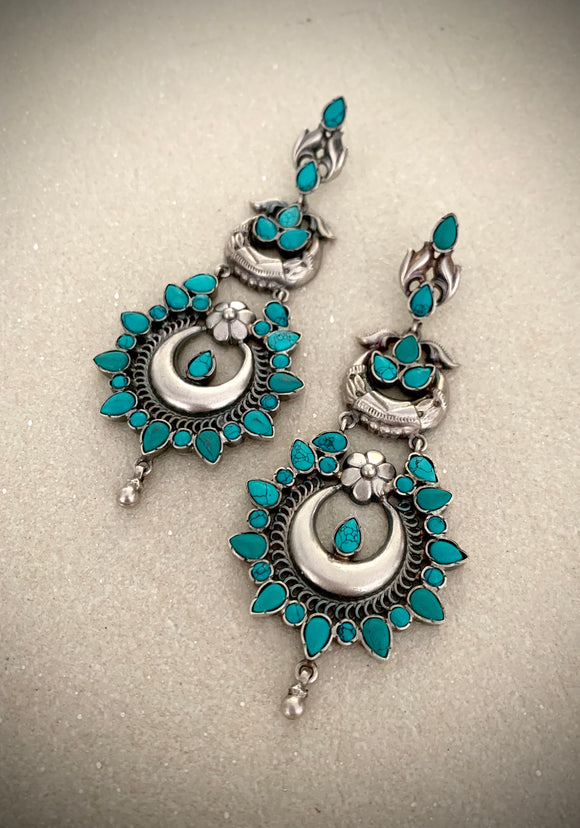 Trendy turquoise double floral drops