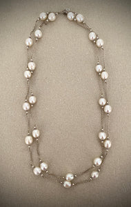 Stonned Pearl Necklace