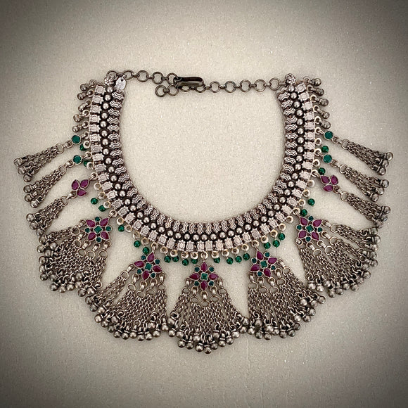 Stonned multi color neckpiece