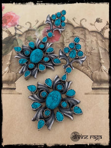 Trendy Turquoise Victorian Drops