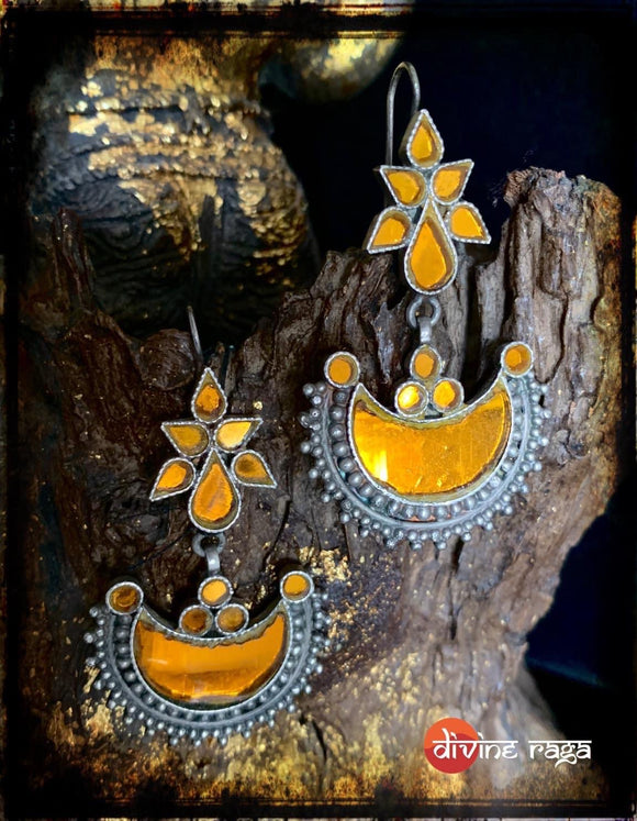 Sheesha Earring Yellow Half moon