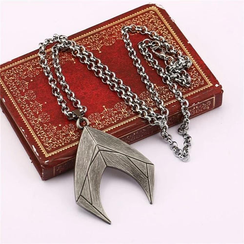 Aquaman necklace - Geek gizmos