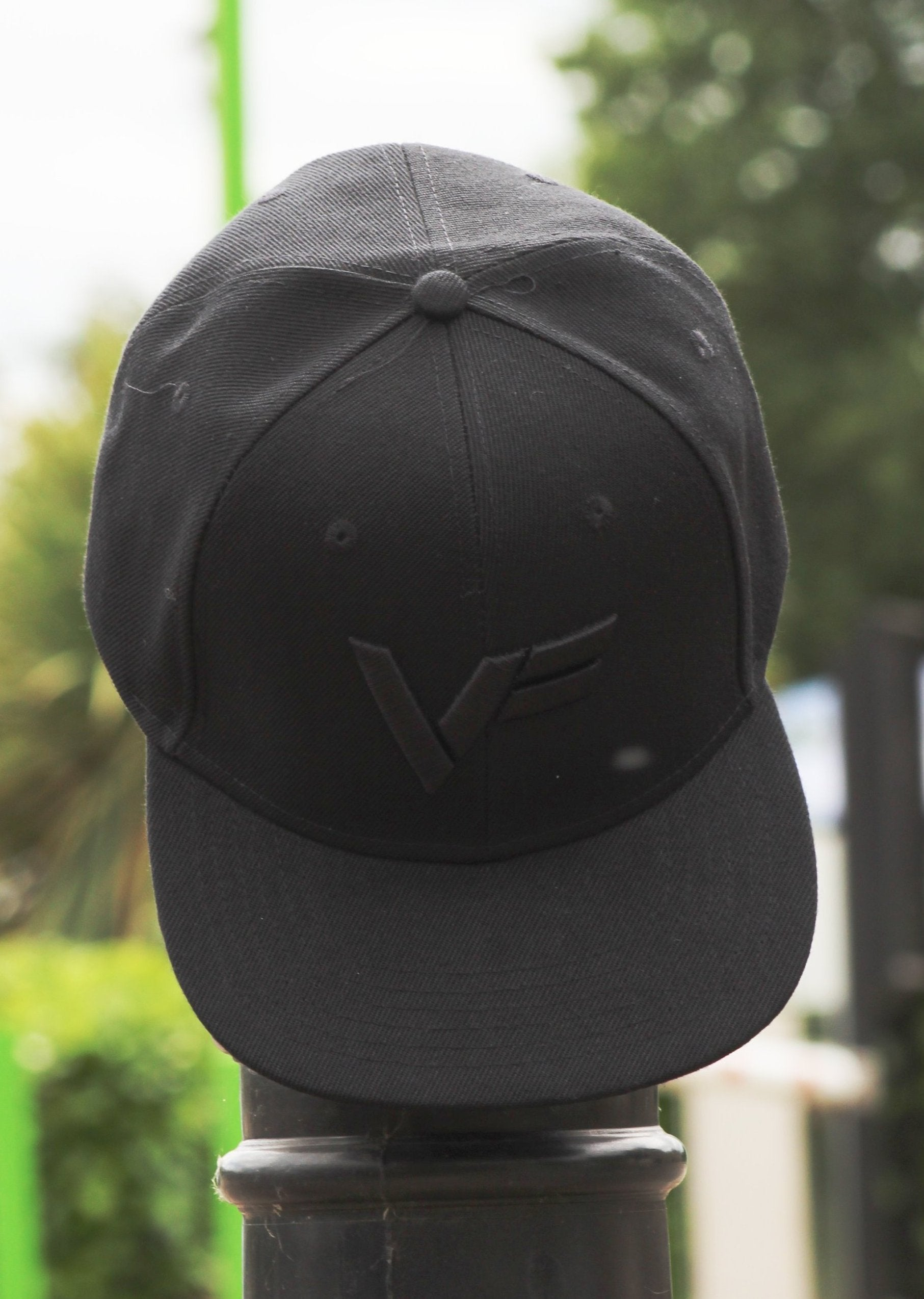 Virtus Fitness 'VF' Snapback - Black