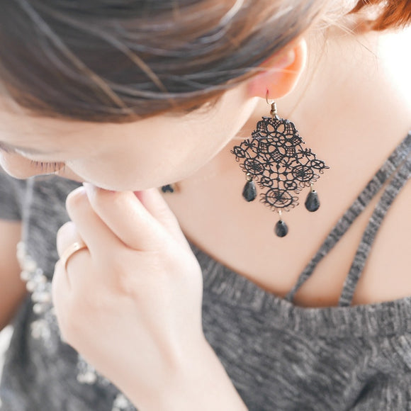 Vintage Black Lace Dangle Drop Earrings For Women Lace Hollow Out Flower Long Earring Gothic Bijoux Accessories 1005