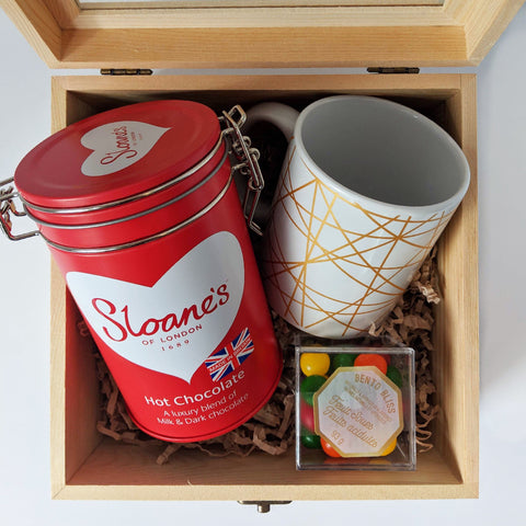 Mug and hot chocolate gift set best holiday gift box 2019 in Toronto