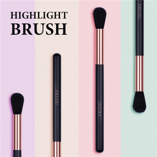 Multifunctional Highlight Makeup Brush - DC01 - Beautyboutique.no