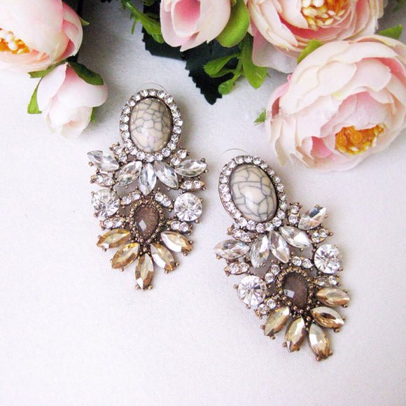 Dvacaman Brand Trendy Big Crystal Statement Earrings Wedding Drop Earrings Women Party Hanging Earrings Jewelry Wholesale GG40