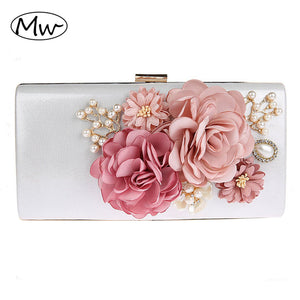 2017 New 9 Colors Handmade Fabric Flowers Evening Bag Luxury Wedding Bride Clutch Bag Pearl Party Handbag Mini Purses Wallet