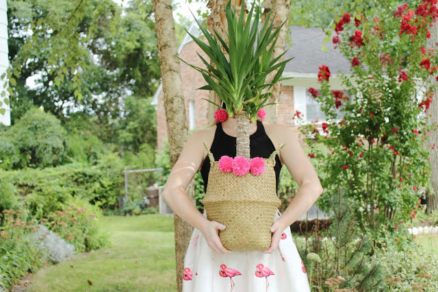 DIY Pompom Seagrass Basket