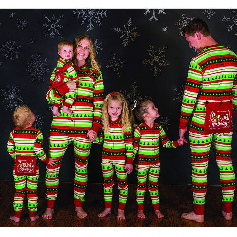 Family Matching Christmas Pajamas Set Women Men Baby Kids Green Sleepwear  Nightwear 2017 New Hot Sale 8e8ab6791