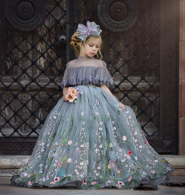 2019 New Flower Girls Dresses Lace Appliqued High Neck Girl Pageant Dress Floor Length Ball Gowns Cheap