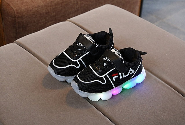 2018 Autumn LED lights baby casual shoes glowing fashion kids sports shoes boys and girls running shoes newborn soft shoes