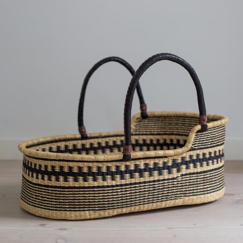 PANDA Moses basket [shipping w/c 13th August]