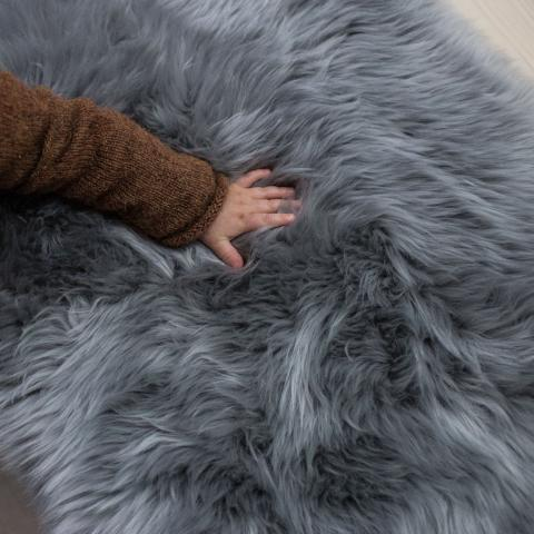 Long hair / shaggy baby sheepskin - Grey